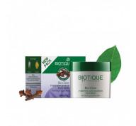 Маска очищающая против прыщей с гвоздикой и куркумой Bio Clove Face Pack Biotique