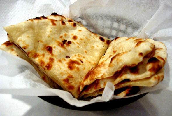 Индийская лепешка наан